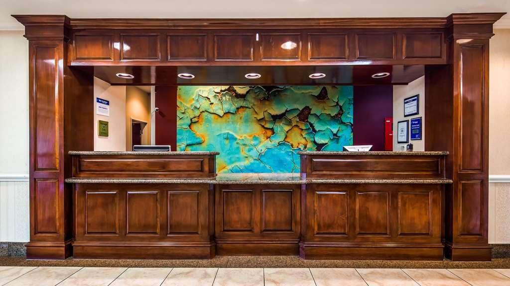 Best Western Plus Waxahachie Inn & Suites - Vue du lobby