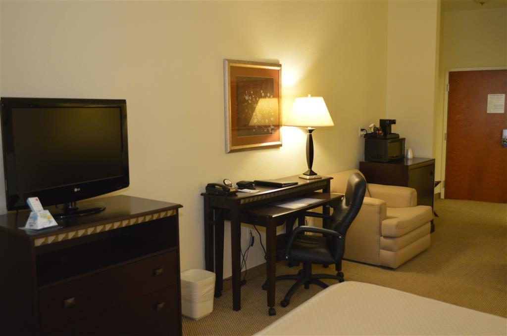 Best Western Plus Seabrook Suites - Verbringen Sie eine erholsame Nacht in unserer Suite mit Kingsize-Bett.