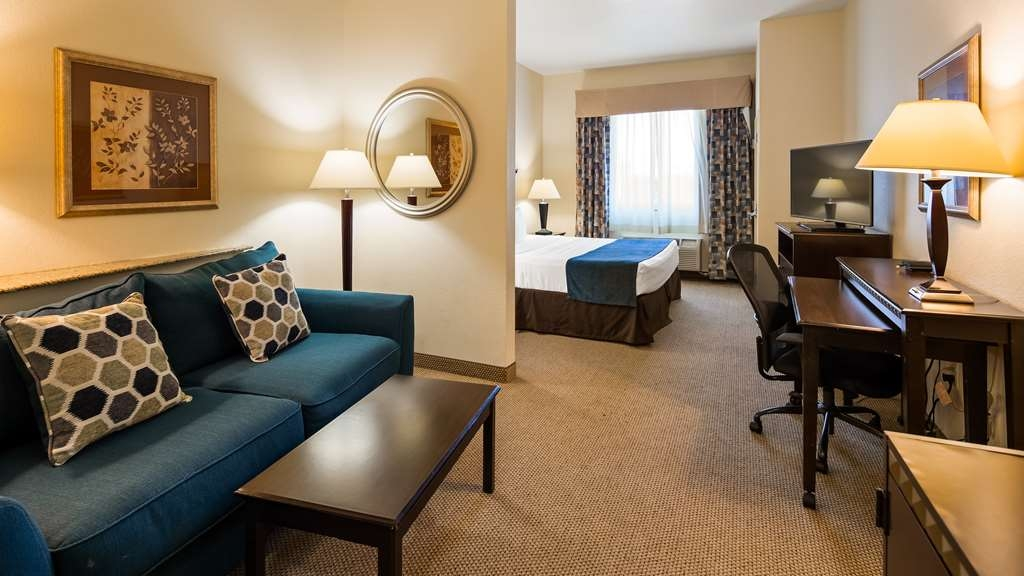 Best Western Plus Seabrook Suites - King bed with Sofabed