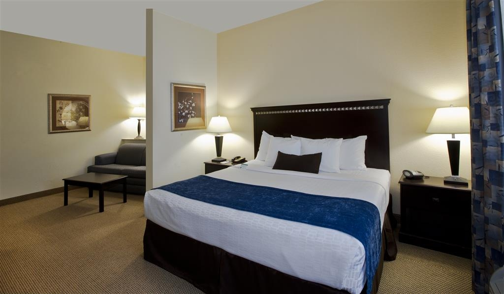 Best Western Plus Seabrook Suites - Our spacious king suite has all the comforts of home at your fingertips.