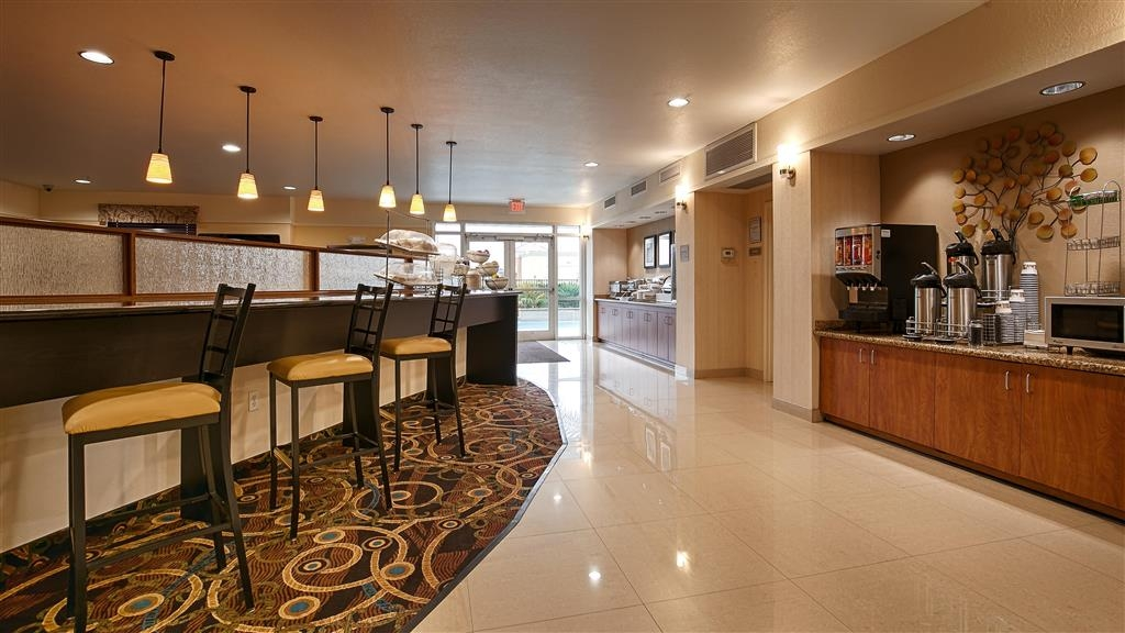 Best Western Plus Seabrook Suites - Breakfast Area