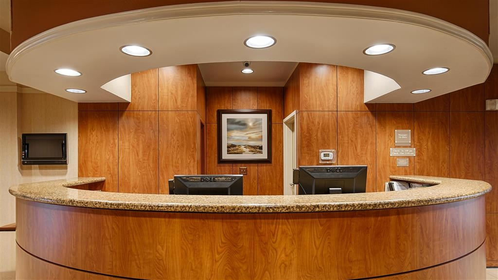 Best Western Plus Seabrook Suites - Front Desk