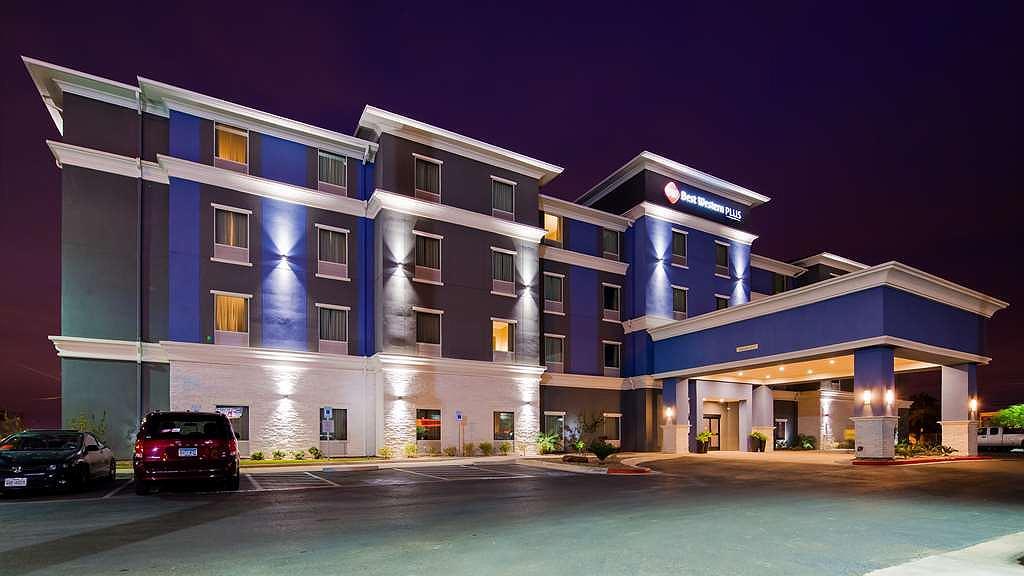 Best Western Plus Laredo Inn & Suites - Aussenansicht