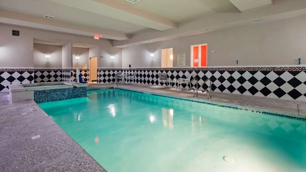 Best Western Plus Laredo Inn & Suites - Piscina