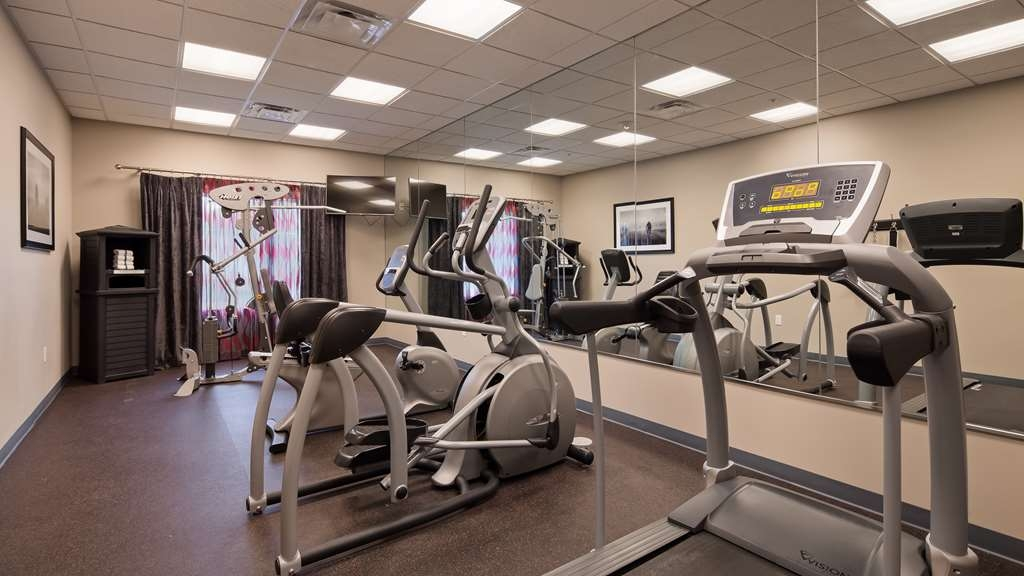 Best Western Plus Laredo Inn & Suites - Our fitness center allows you to keep up with your home routine even when your're not at home.