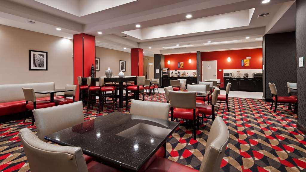 Best Western Plus Laredo Inn & Suites - Breakfast Room