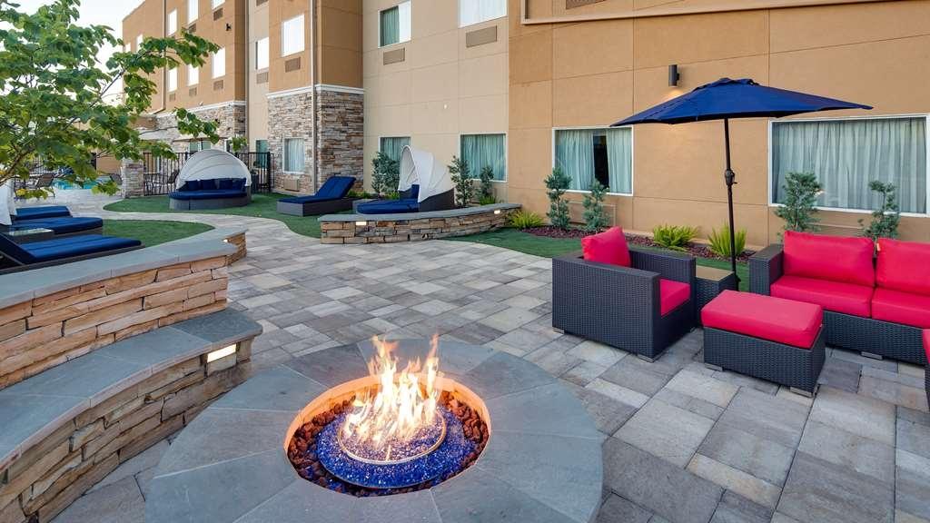 Best Western Plus Lake Jackson Inn & Suites - equipamiento de propiedad