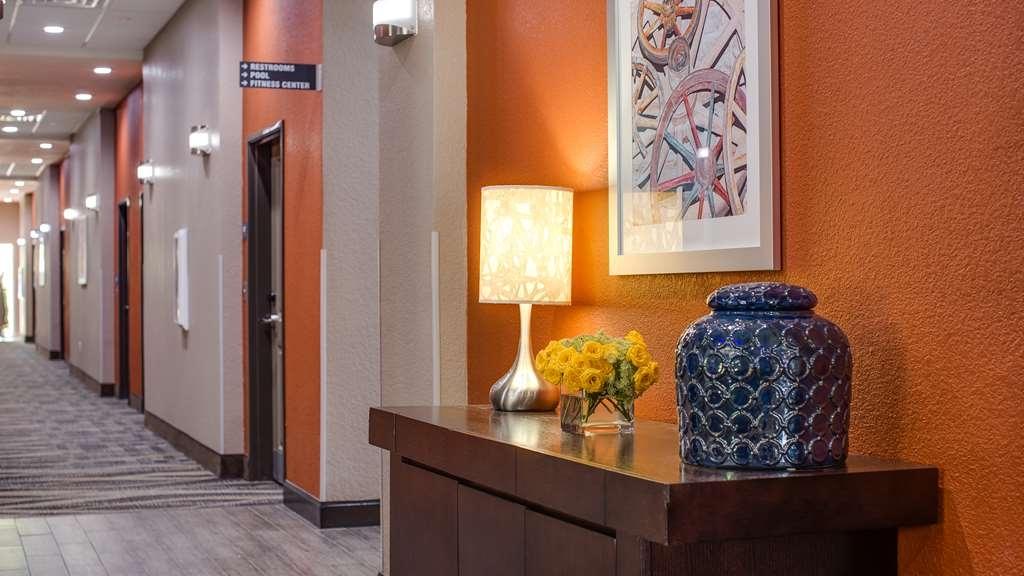 Best Western Plus Lake Jackson Inn & Suites - Vista del vestíbulo