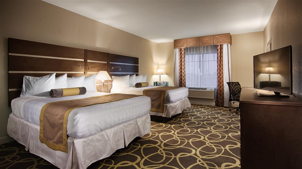 Best Western Plus College Station Inn & Suites - Two Queen Guest Room