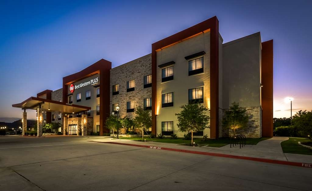 Best Western Plus College Station Inn & Suites - Exterior