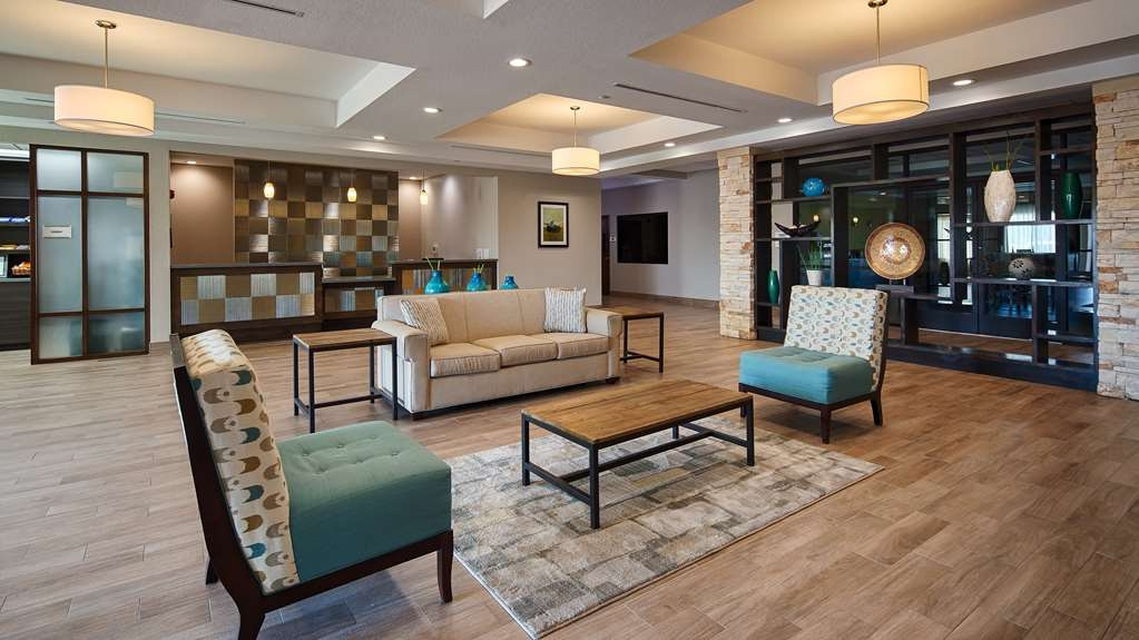 Best Western Plus College Station Inn & Suites - Vista del vestíbulo
