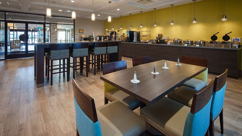 Best Western Plus College Station Inn & Suites - Desayuno Buffet