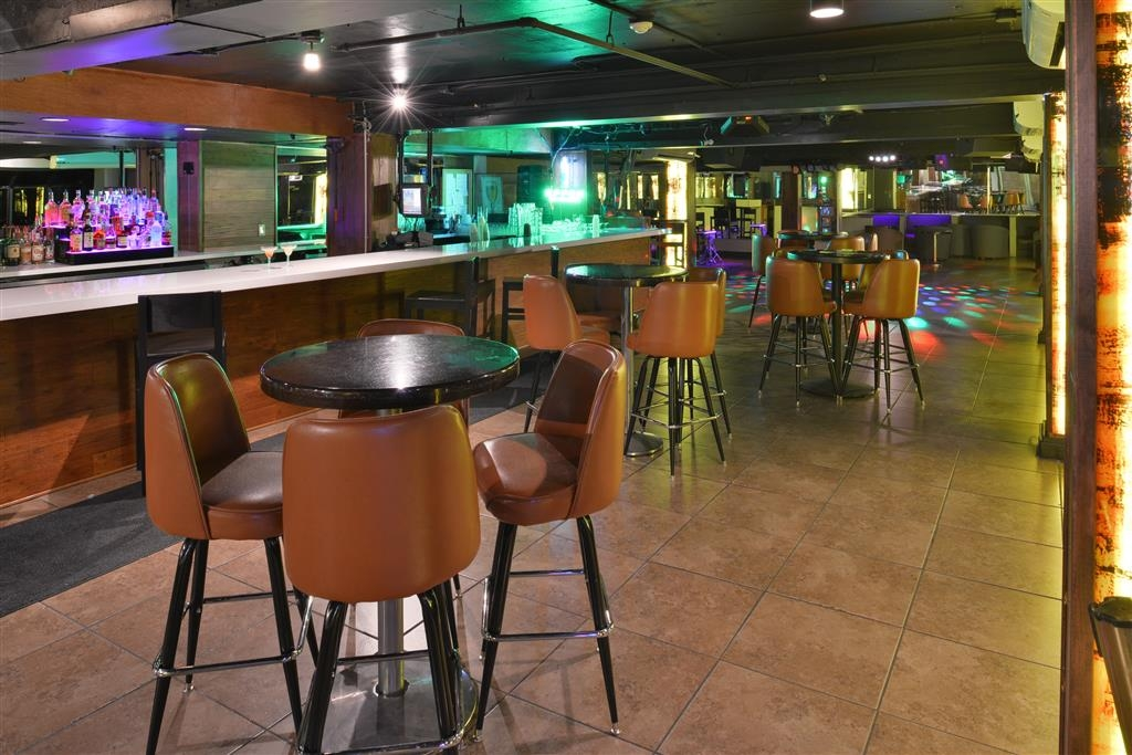 Best Western Plus El Paso Airport Hotel & Conference Center - Teddy's Inside Bar
