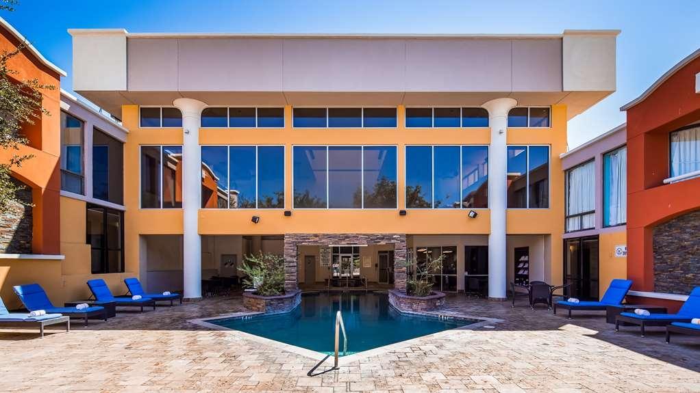 Best Western Plus El Paso Airport Hotel & Conference Center - Vue de la piscine