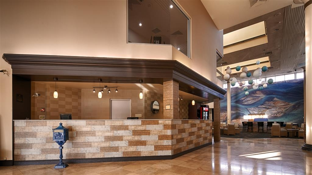 Best Western Plus El Paso Airport Hotel & Conference Center - Reception Desk