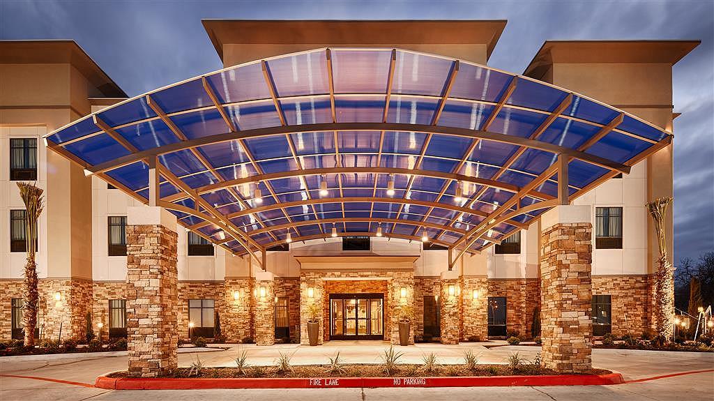 Best Western Plus Flatonia Inn - Vue de l'extérieur
