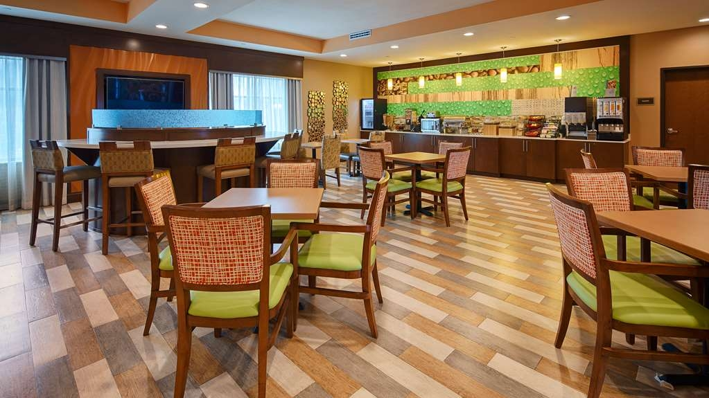 Best Western Plus Flatonia Inn - Breakfast Room