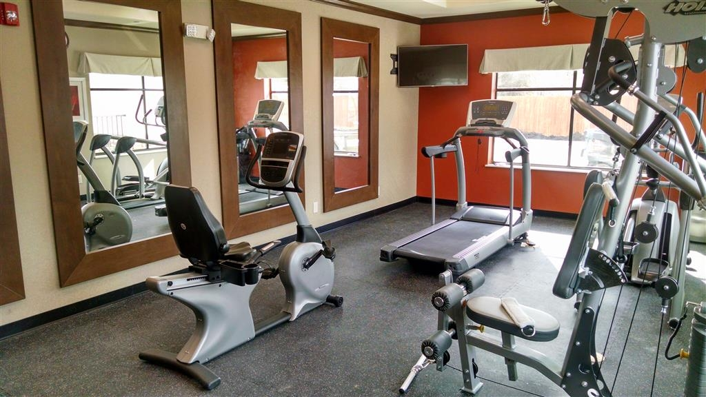 Best Western Plus Flatonia Inn - Our fitness center allows you to keep up with your home routine even when you're not at home.
