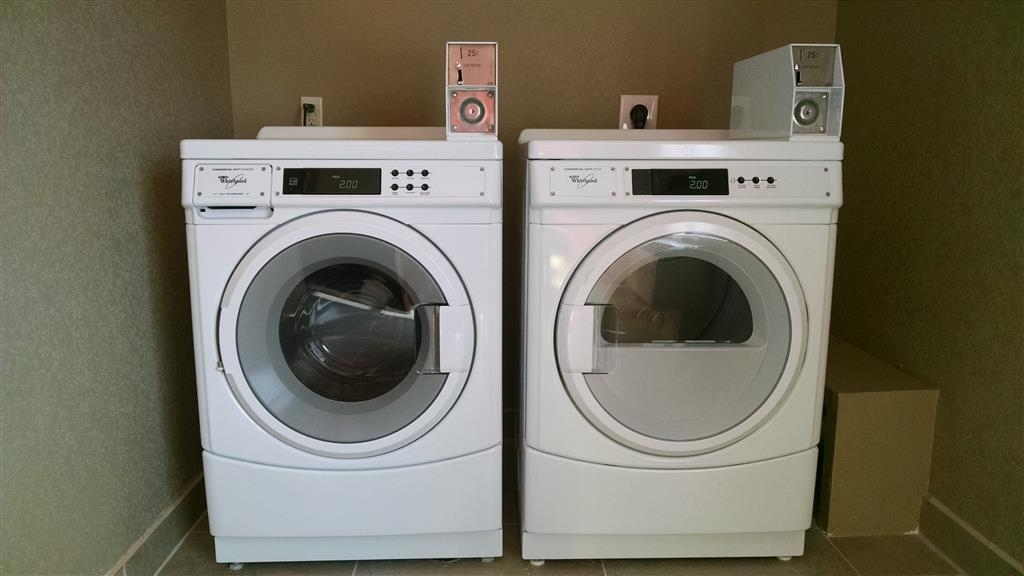 Best Western Plus Flatonia Inn - Staying awhile? Laundry facilities are available.
