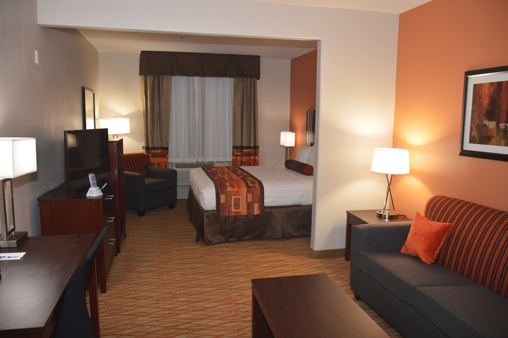 Best Western Plus Spring Inn & Suites - Suite