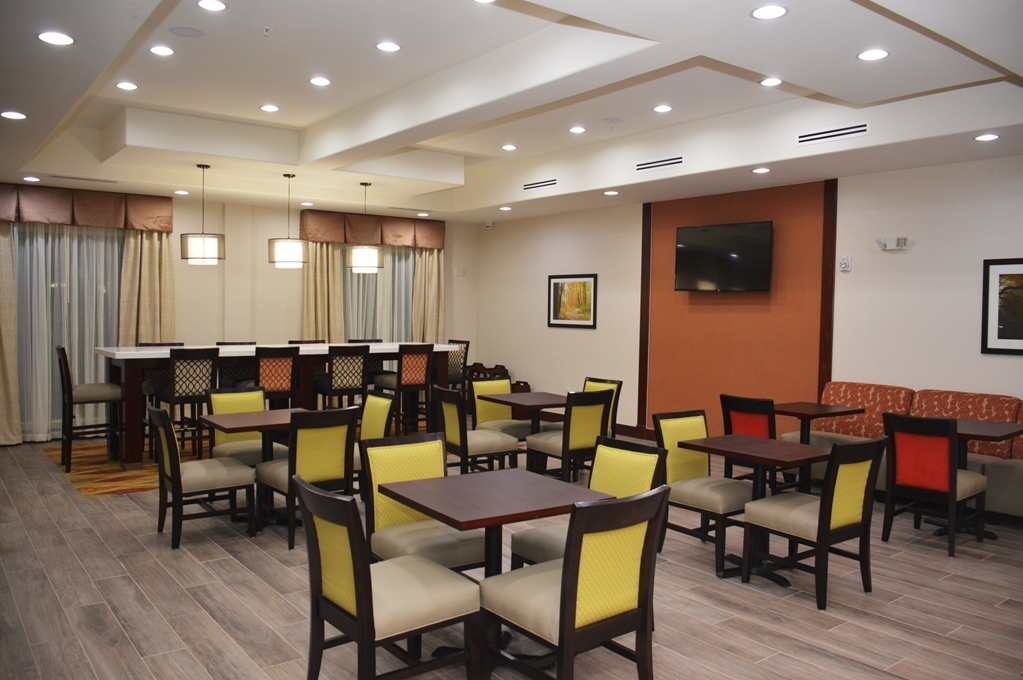Best Western Plus Spring Inn & Suites - Restaurant / Gastronomie