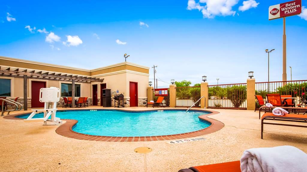 Best Western Plus Dilley Inn & Suites - Vue de la piscine