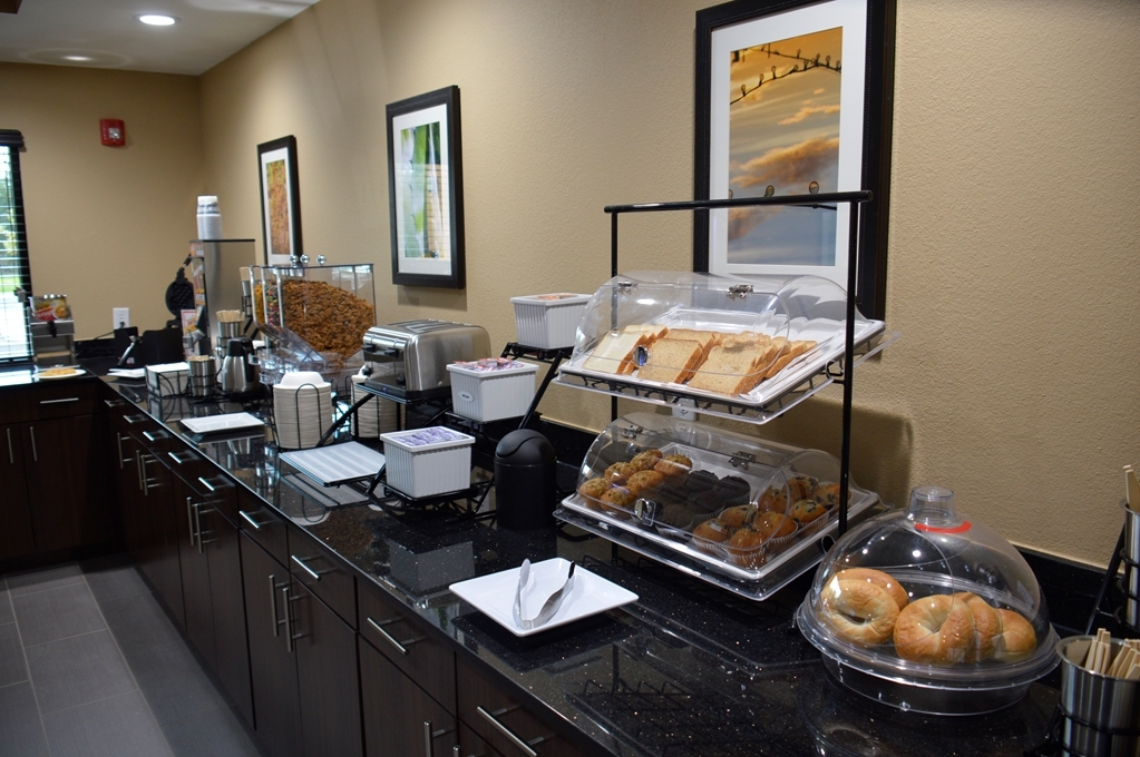 Best Western Plus Elmendorf Hotel - Every day we offer a free full hot breakfast of eggs,bacon, waffles, pastries and more.