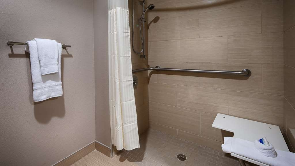 Best Western Plus Elmendorf Hotel - Enjoy getting ready for the day in our fully equipped guest bathrooms.