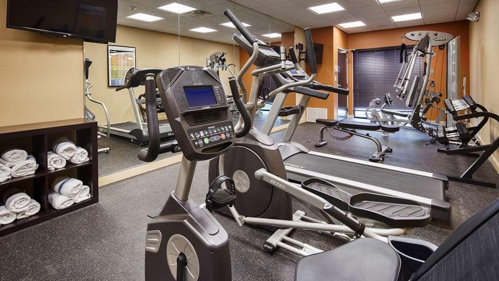Best Western Plus Elmendorf Hotel - fitnessraum