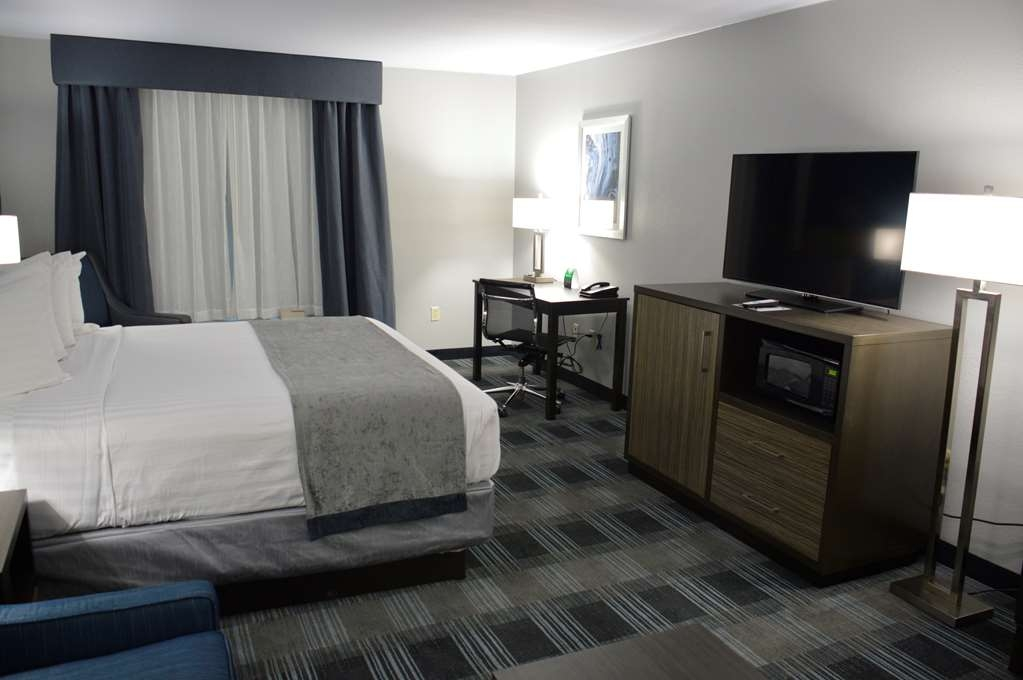 Best Western Town Center Inn - King Sofa Suite Guest Room