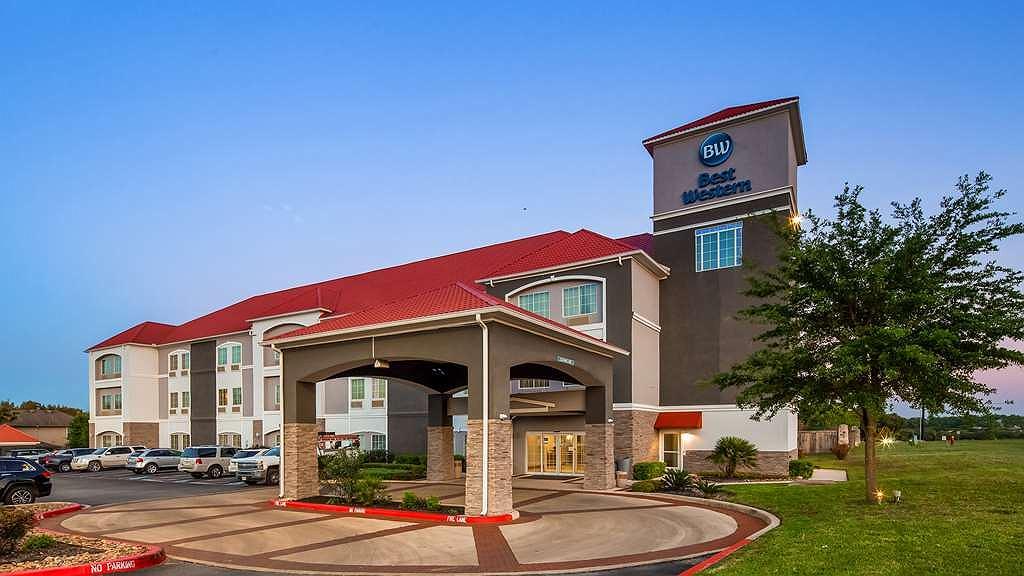 Best Western Boerne Inn & Suites - Facciata dell'albergo