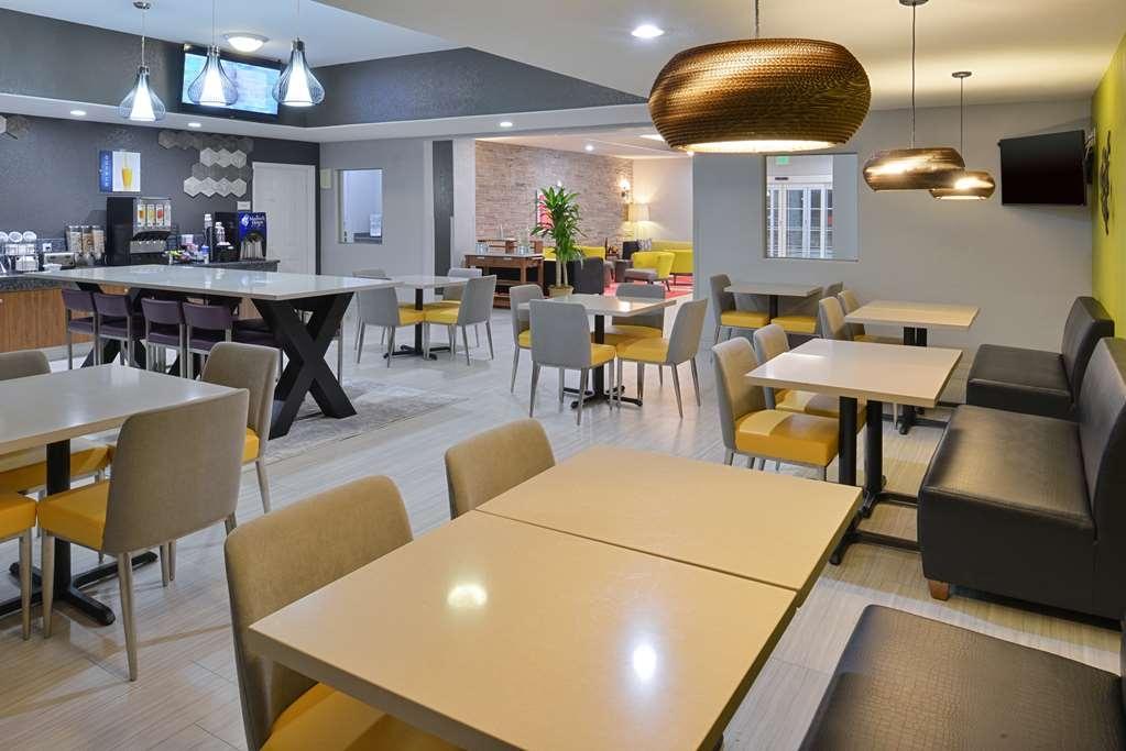 Best Western Boerne Inn & Suites - Petit-déjeuner gratuit
