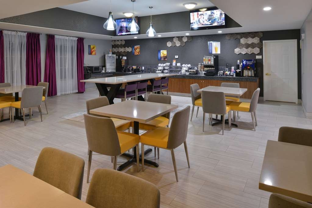 Best Western Boerne Inn & Suites - Let the kids splurge and watch their favorite morning cartoons while eating breakfast.