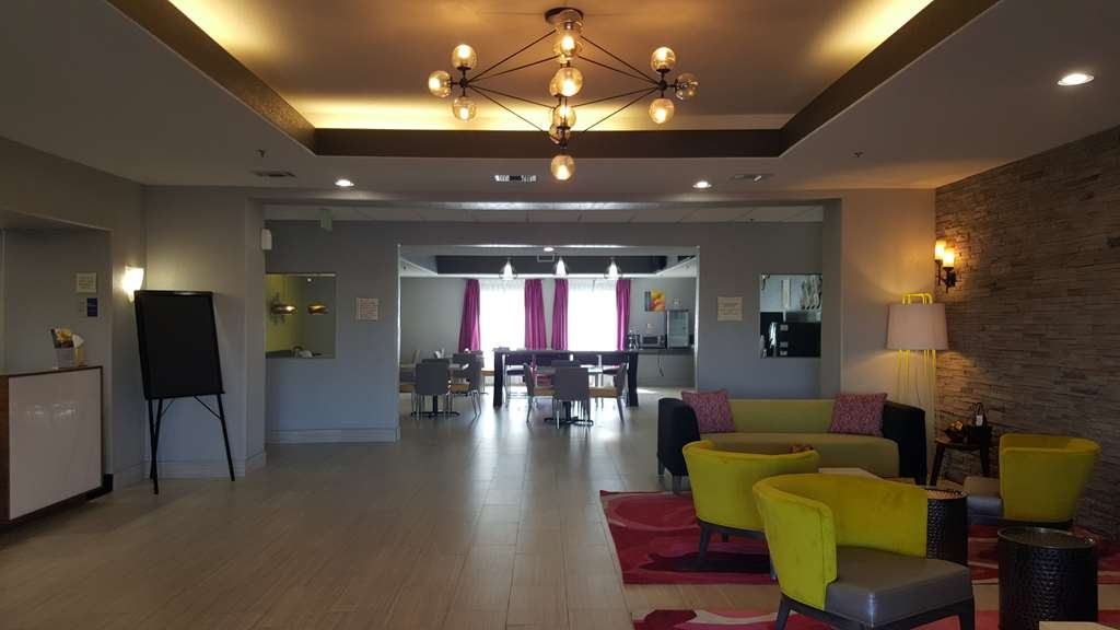 Best Western Boerne Inn & Suites - Hall