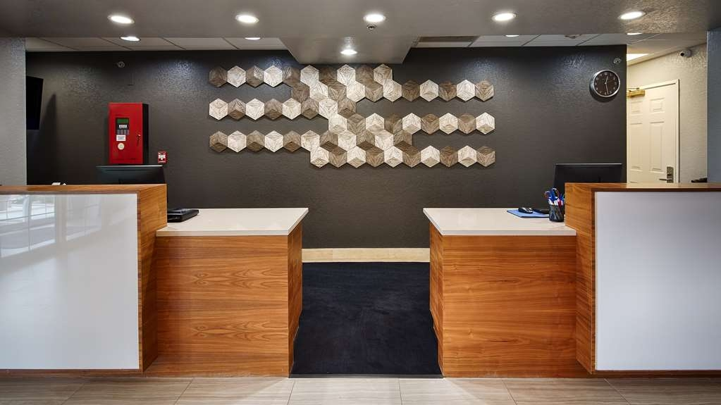 Best Western Boerne Inn & Suites - reception