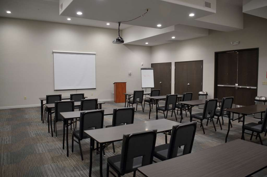 Best Western Plus Pflugerville Inn & Suites - Need to schedule a meeting for business? We have space available for you and your clients.
