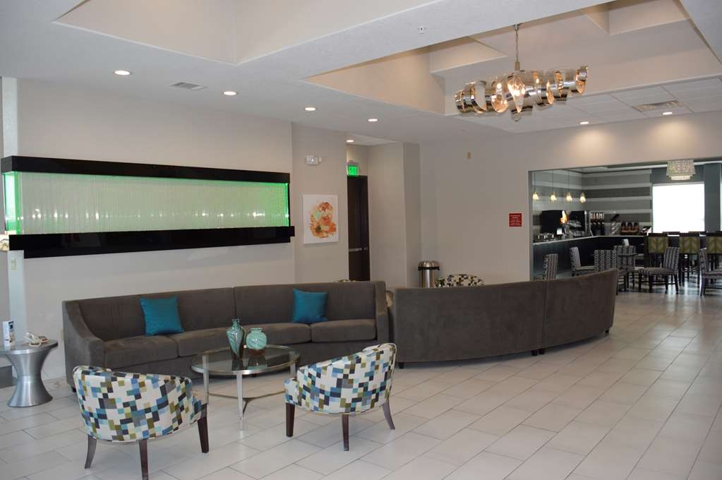 Best Western Plus Pflugerville Inn & Suites - Our lobby is the perfect spot to relax after a long day of work and travel.
