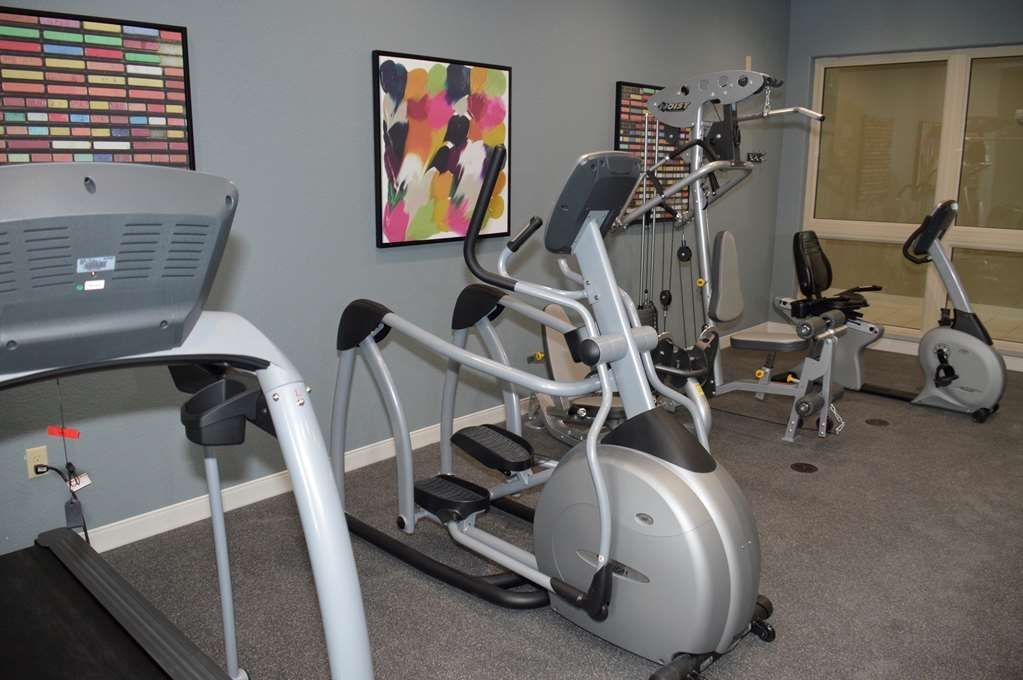 Best Western Plus Pflugerville Inn & Suites - Stay active in our fitness center with a variety of equipment.