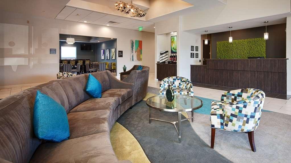 Best Western Plus Pflugerville Inn & Suites - Lobbyansicht
