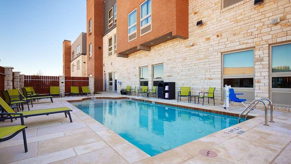 Best Western Plus Pflugerville Inn & Suites - Vue de la piscine