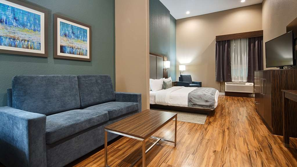Best Western Plus Pflugerville Inn & Suites - Live in true luxury when you book a King Suite.