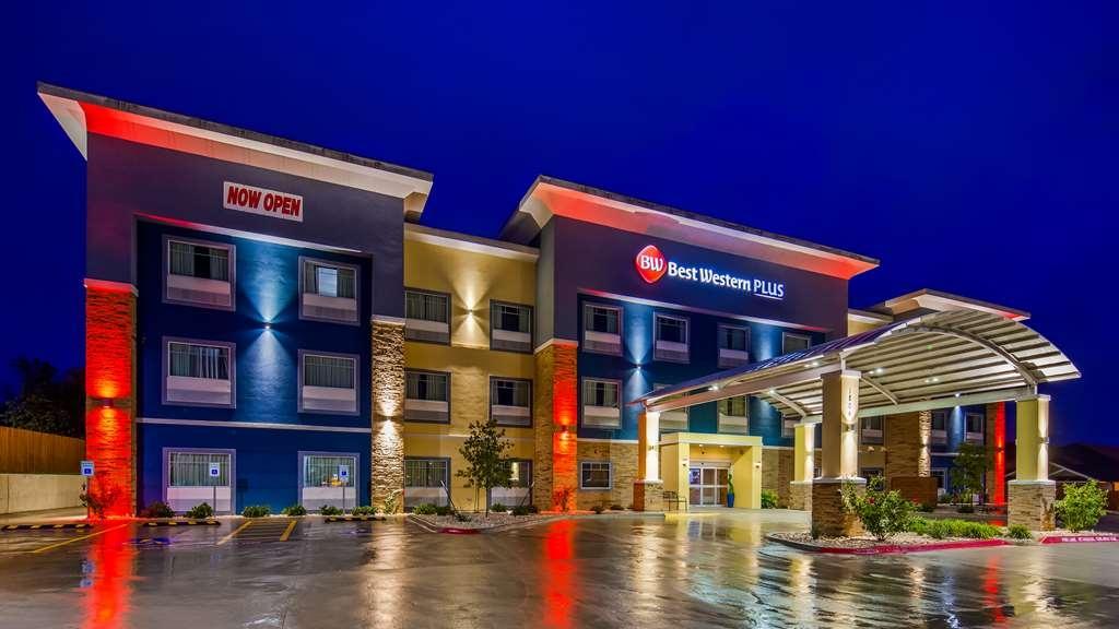 Best Western Plus Lampasas Inn & Suites - Vista Exterior