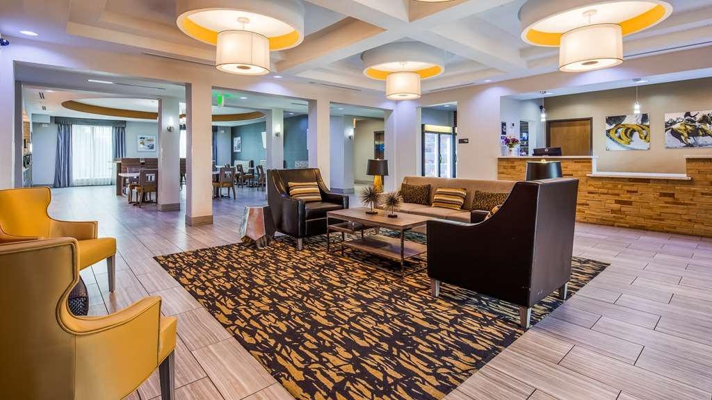 Best Western Plus Lampasas Inn & Suites - Hall
