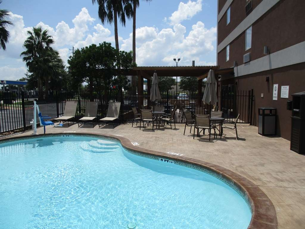 Best Western Plus Downtown North - Outdoor Pool