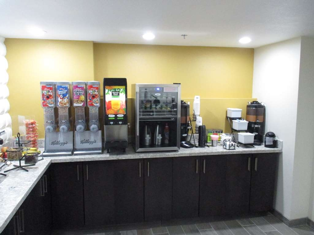 Best Western Plus Downtown North - Breakfast Bar