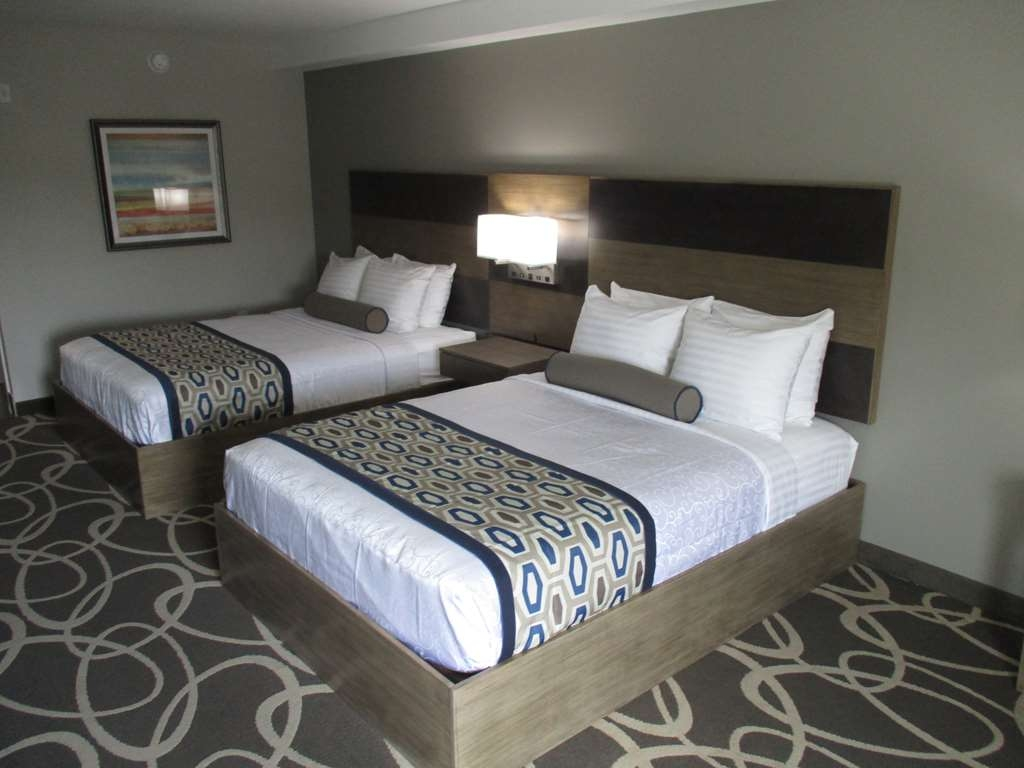 Best Western Plus Downtown North - Sink into our comfortable beds each night and wake up feeling completely refreshed with the family.
