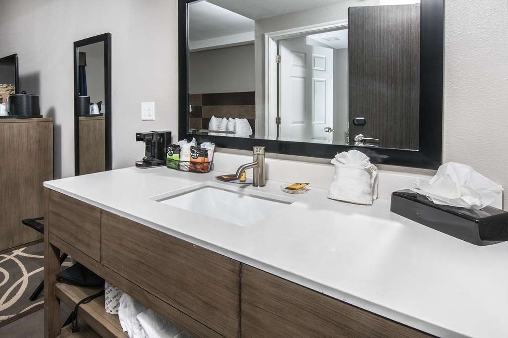 Best Western Plus Downtown North - Habitaciones/Alojamientos