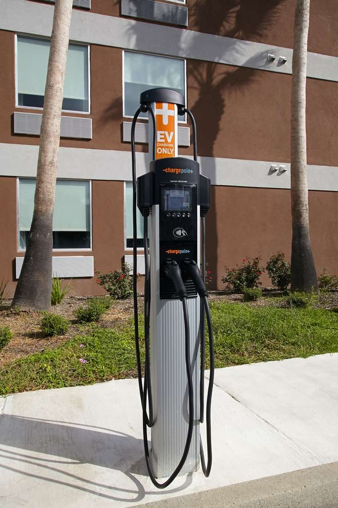 Best Western Plus Downtown North - Electric Vehicle Charging Station