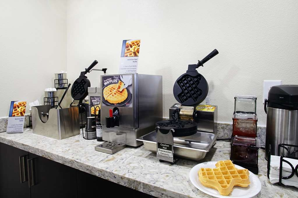Best Western Plus Downtown North - Join us every morning for a variety of your favorite morning treats.