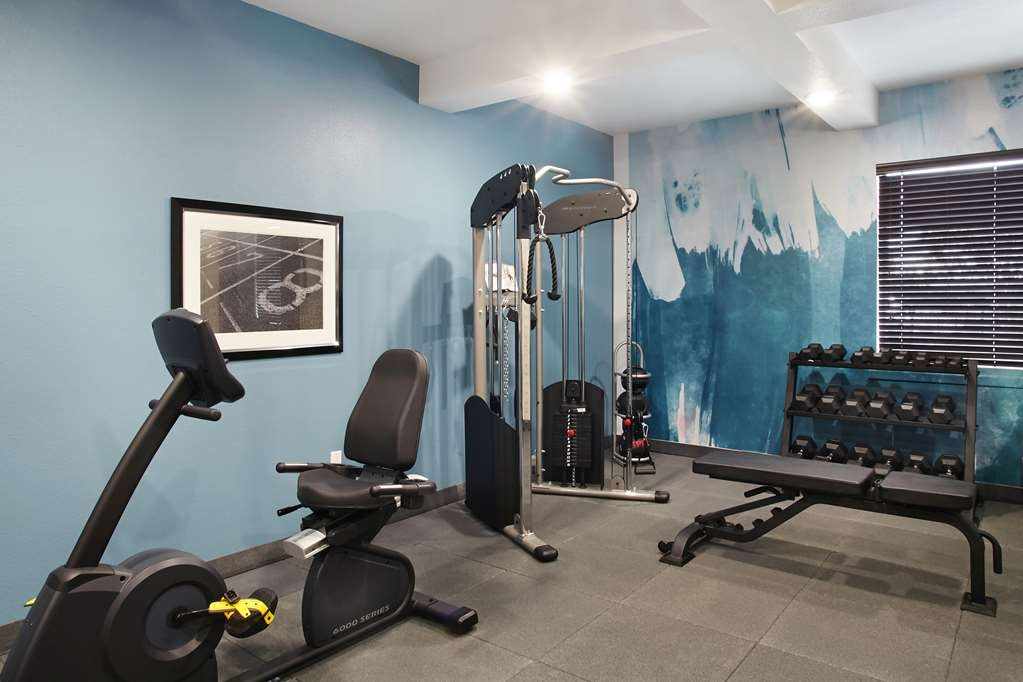 Best Western Plus Downtown North - Enjoy our 24-hour fitness center with state-of-the-art cardio and weigh equipment for your convenience.